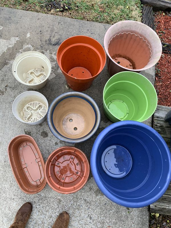 Various sized planter pot