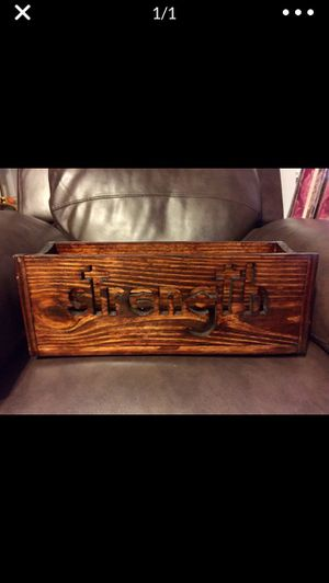 strength Wood Box/Centerpiece for Sale in Birmingham, AL