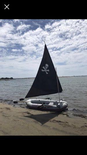 Inflatable boat Intex mariner four. paddles, sail kit, motor mount, hangkai 3.5hp motor for Sale in San Diego, CA