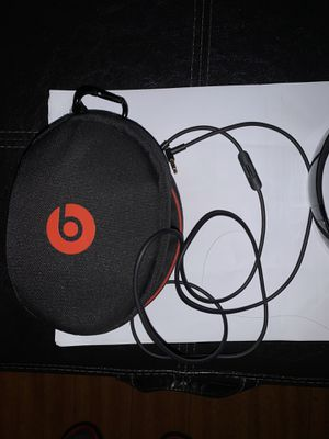 Beats Solo 3 Wireless(Gloss Black) for Sale in Los Angeles, CA