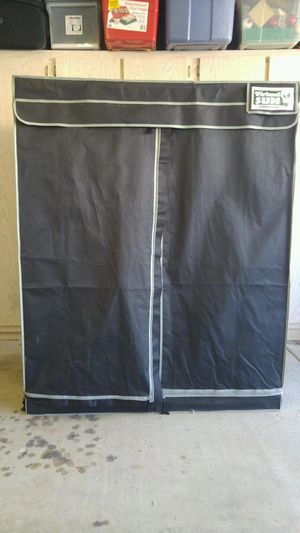 Grow tent with vegetative and budding lights and pots. for Sale in Scottsdale, AZ