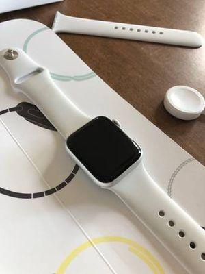 Apple Watch Apple 5. (44mm) for Sale in Atlanta, GA