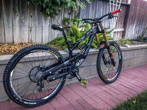 YT Tues DownHill Bike MTB. Labor Day Sale! Fox air fork and shocks. for Sale in San Bernardino, CA