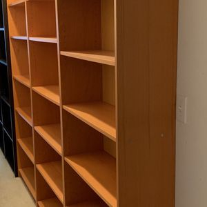 "honey colored tall bookshelf 6'7"" tall x 3 Feet wide for Sale in Tacoma, WA"