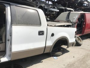 PARTING OUT 2004 F150 F-150 SUPERCREW ENGINE MOTOR TRANSMISSION 5.4L 5.4 for Sale in San Bernardino, CA