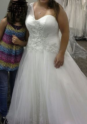 Wedding Dress for Sale in Clayton, NC