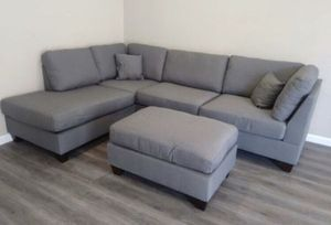 New in box grey sectional ottoman included// reversible L/R chaise for Sale in Downey, CA