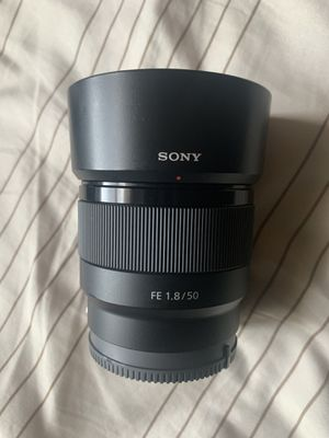 Sony FE 1.8 / 50mm lens great condition for Sale in Capitol Heights, MD