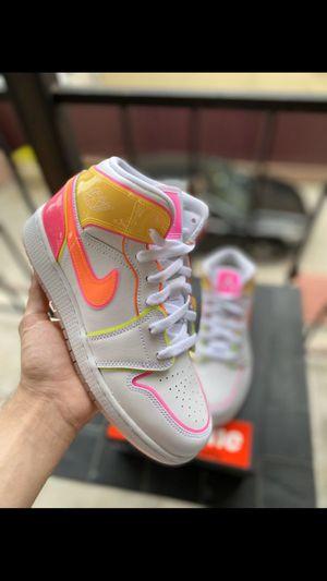 Jordan 1 Edge Glow SE size 6.5 for Sale in Pico Rivera, CA