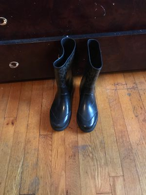 Size 9 in a half MK rain boots for Sale in Decatur, GA