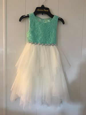 Dress size 5 for Sale in Rancho Cucamonga, CA