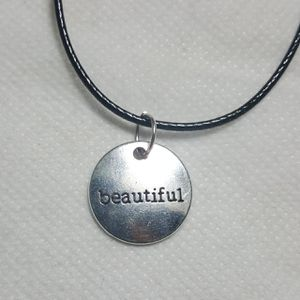 """Beautiful Silver plated Necklace. Charm pendant Comes with 18"""" in long Leather Code Beautiful Necklaces for Sale in Queens, NY"""