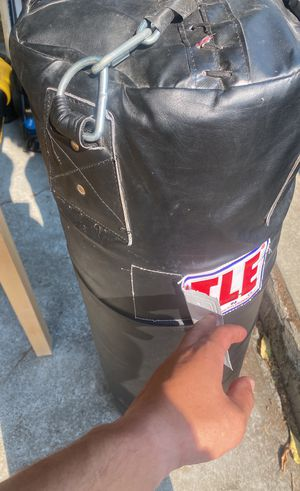 Title heavy bag and speed bag W/ stand for Sale in Oakland, CA