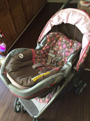 Car seat &stroller set for Sale in Troup, TX