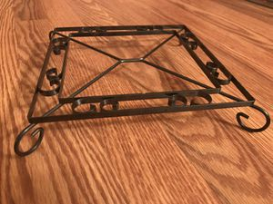 Square black metal stand for Sale in Longview, WA