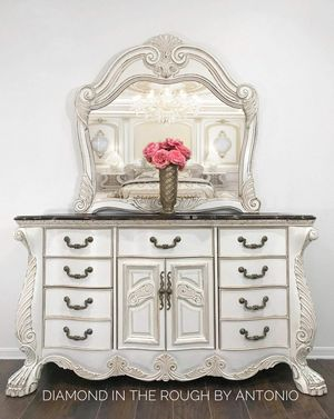 Country Farmhouse ornate dresser with mirror for Sale in New York, NY