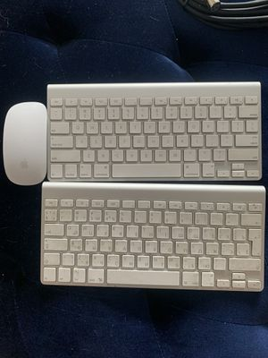 Mac Wireless keyboard and mouse for Sale in Dallas, TX