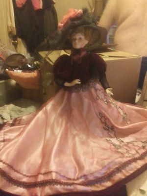 Really pretty doll she mint condition she for Sale in Murfreesboro, TN