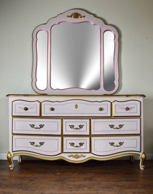 Vintage French Provincial light pink and gold dresser with mirror for Sale in Santa Ana, CA