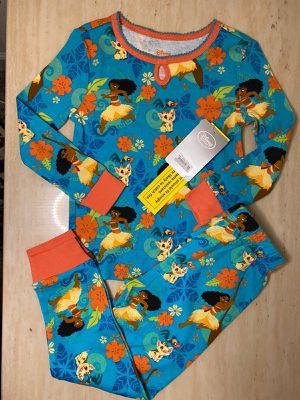 $15 Disney Pajama Moana Set SIZE 4 for Sale in Winter Garden, FL