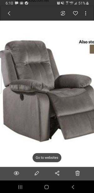 Recliner $275.00 new power recliner for Sale in Brooklyn, OH