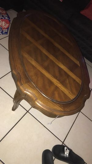 Pretty table for Sale in Irwindale, CA