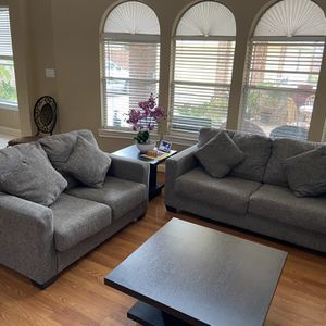 2 piece sofa set with pillows included for Sale in Sugar Land, TX