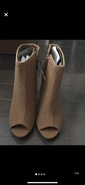 Brand new shoes size 8 for Sale in Hazlet, NJ