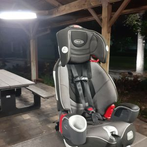 GRACO NAUTILUS 65. 3 IN 1 Harness Car Seat With Booster for Sale in Pompano Beach, FL