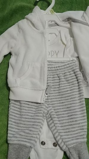 Newborn outfit for Sale in Hesperia, CA