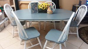 TABLE AND 6 CHAIRS SOLUD WOOD FARMHOUSE GRAY for Sale in Boynton Beach, FL