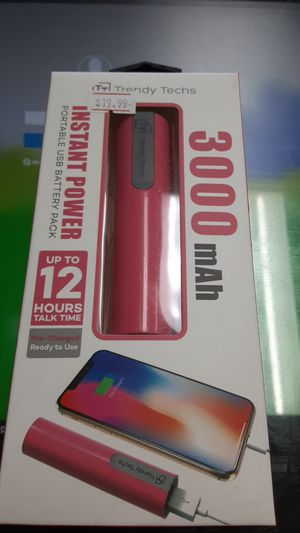 Instant Power Portable USB Battery Pack!!! Up to 12 hours talk time!! Pre-charged ready to use!!! for Sale in San Angelo, TX