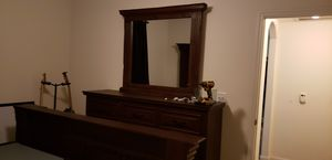 Full size Dresser with Mirror for Sale in Spring, TX