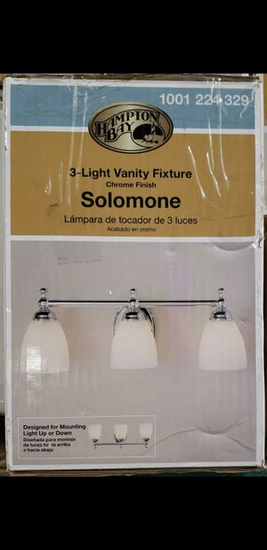 3 light vanity fixture for Sale in Bakersfield, CA