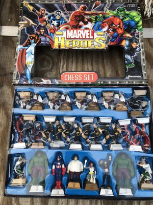 New Marvel Super Heroes Chess Set Captain America Hulk Spider-Man Thor for Sale in South Pasadena, CA