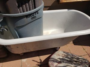 Free claw foot tub for Sale in Denver, CO