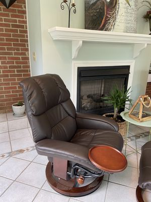 LOUNGE CHAIR- RECLINER & OTTOMAN [Brown Leather] for Sale in Franklin, TN