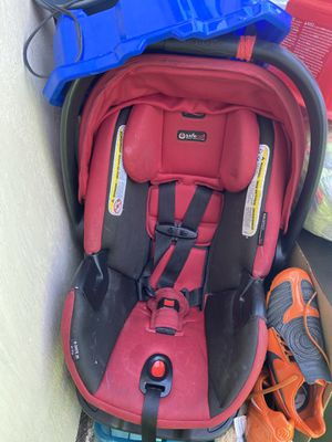 Baby car seat with bottom part for Sale in Hayward, CA