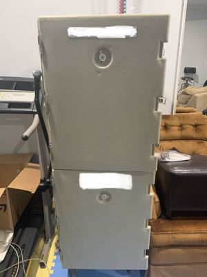 Cambro Camcart® Insulated Food Carrier w/ (24) Pan Capacity for Sale in Hamtramck, MI