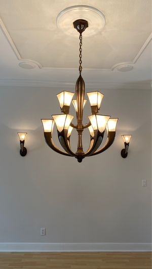 Chandelier with two wall sconces. for Sale in Pompano Beach, FL