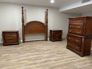 Massive 9 Piece - Four Poster Queen Bedroom Set. for Sale in Phoenix, AZ