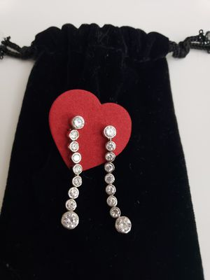 """HANGING """"DIAMOND LIKE"""" EARRINGS for Sale in New York, NY"""