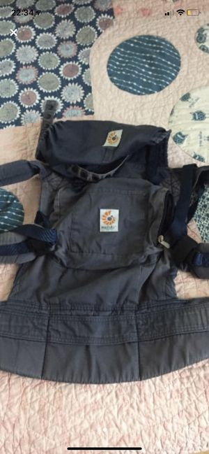 Ergobaby organic cotton carrier with organic pads for Sale in Sarasota, FL