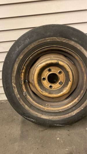 """Dean alpha IV season radical 15"""" rim and tire dirty can be washed off for Sale in Mukilteo, WA"""