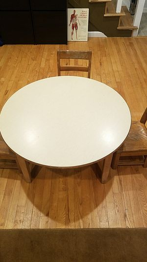 Craft and lesson table 3ft wide, 18in tall table for Sale in Englewood, CO