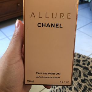 Allure Chanel for Sale in Miami, FL