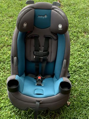 SAFETY FIRST 3 IN 1 CONVERTIBLE CAR SEAT for Sale in Hialeah, FL