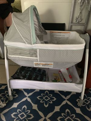 Bassenit/changing table for Sale in Largo, FL