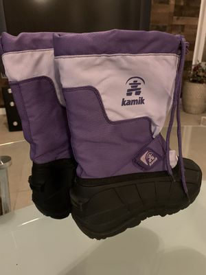 Youth girls snow boots size 4Y for Sale in Lemoore, CA