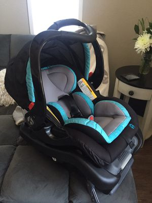 New baby trend car seat for Sale in Marysville, WA